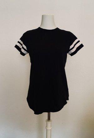 schwarzes Tshirt mit Streifen