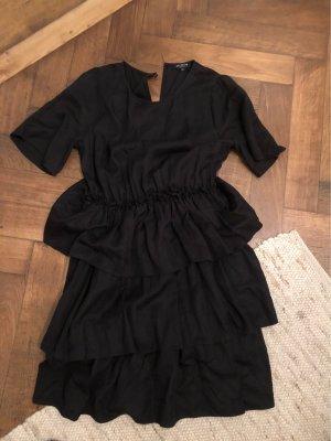 Schwarzes Volant Kleid