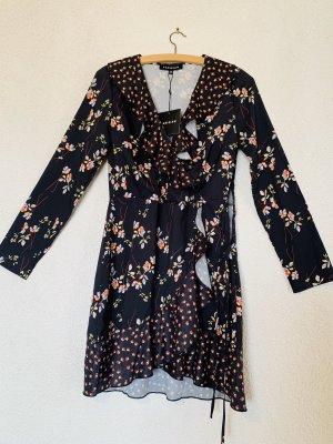 Schwarzes Volant Kleid / Rüschen Kleid mit floralem Print
