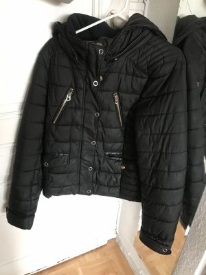Schwarzes Zara Winterjacke