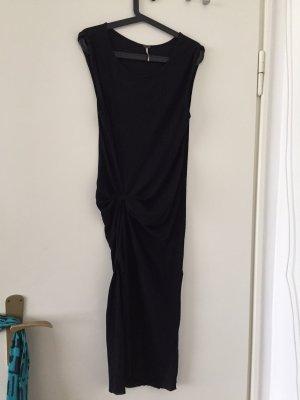 Schwarzeskleid