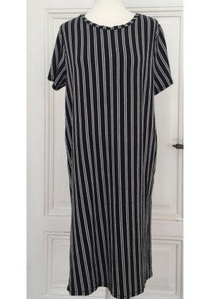 Schwarzweißes Kleid mit Streifen und Seitenschlitzen NEU