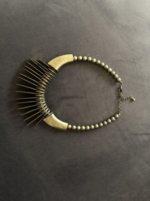 Schweres Collier, Afrika-Stil