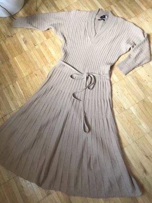 Schwingendes, weiches Strickkleid mit Wolle & Cashmere