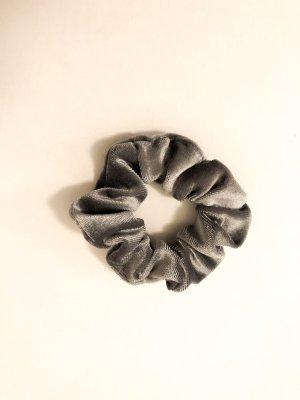 Nastro per capelli grigio