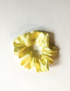 Ribbon primrose-yellow