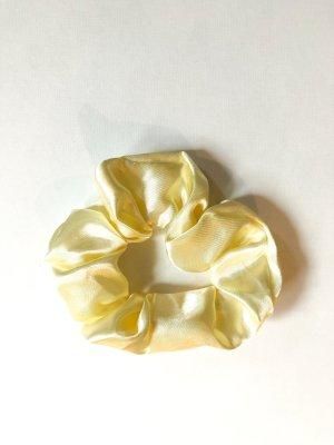 Ribbon pale yellow