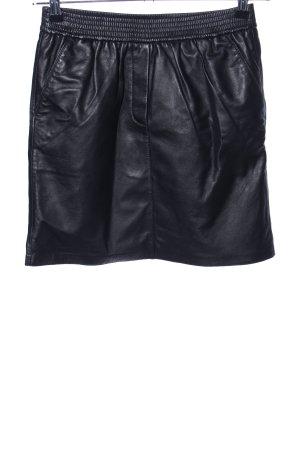 Second Female Falda de cuero negro look casual