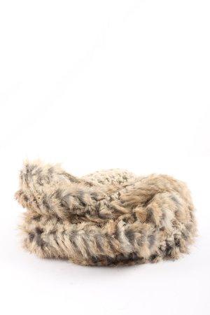 Seeberger Bufanda de lana color oro look Street-Style