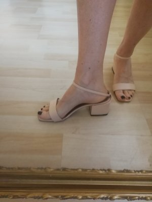 Sehr ausgefalle Sandalen aus Italien