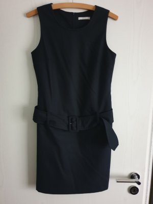 Sehr bequemes Business-Kleid