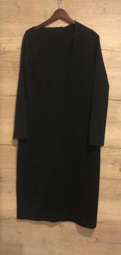 Sehr elegantes und dezentes Kleid von COS