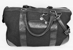 Sehr große, neuwertige Tasche von Marc Cain