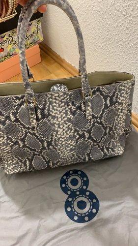 Sehr große und elegante Lederhandtasche