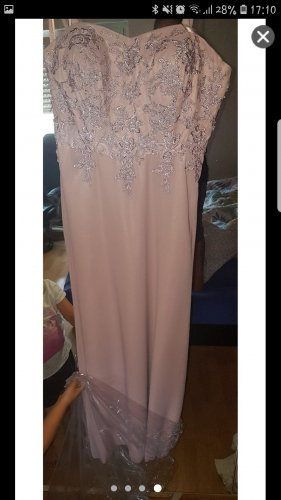 Sehr schön Kleid