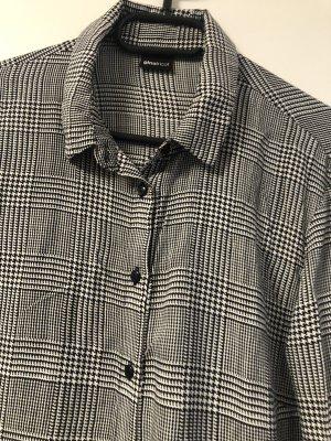 Sehr schön kombinierbare Bluse