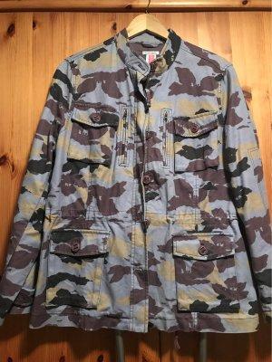 Sehr schöne Camouflage Jacke