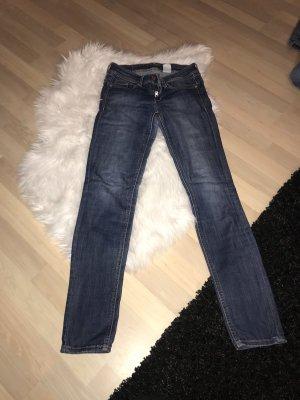 Sehr Schöne dunkle Jeans