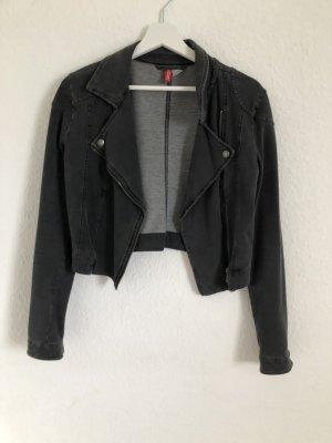 Sehr schöne graue Jacke perfekt für den Herbst