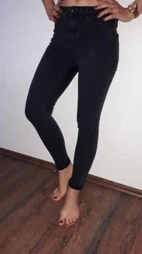 Sehr schöne High-Rice Stretch-Jeans in Größe 34 von Clockhouse!