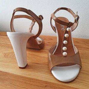Sehr schöne klassische Sandaletten High Heels mit Perlen