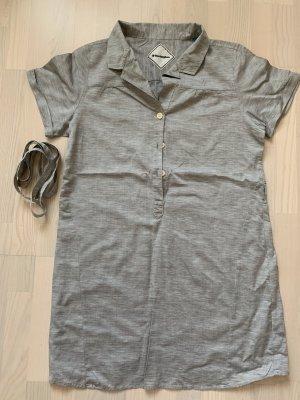 Sehr schöne lange Bluse mit Gürtel von der Marke Burlington