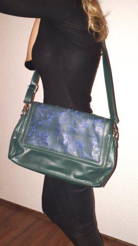 Sehr schöne, neue Umhängetasche von United Colors of Benetton!