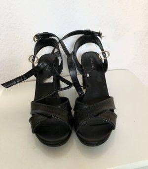 Sehr schöne Sandaletten mit Blockabsatz