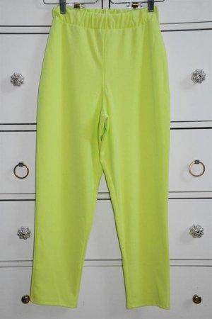 Sehr schöne schmal zulaufende Hose Neongrün Gr. 36
