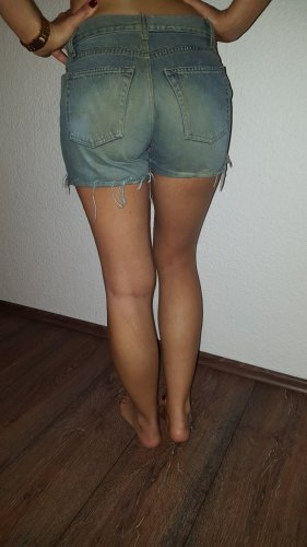 Sehr schöne Shorts in Größe S von United Colors of Benetton !
