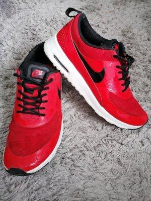 Nike High Top Sneaker red