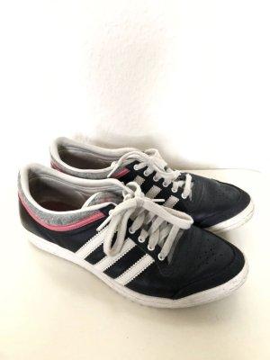 Sehr schöne Sneaker von Adidas