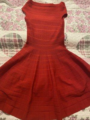 Sehr schöne Strickleid in Grösse 40 (fällt klein aus) in Rot