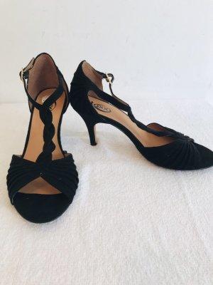 Sehr schöne und feine High heels Gr 38 neuwertig in schwarz