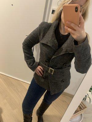 Sehr schöne Winter Jacke mit moderne Fischgräten Muster - kaum getragen perfekter Zustand