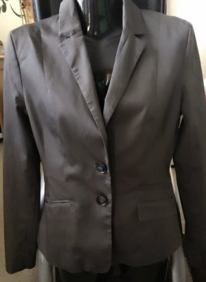 Sehr schöner Blazer in grau Gr. 36 Neu