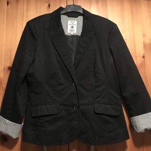 Sehr schöner schwarzer Blazer
