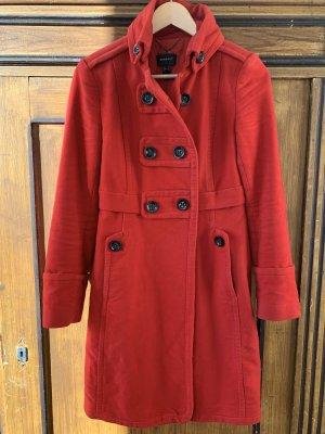 Sehr schöner taillierter Mantel von Mango in Rot.
