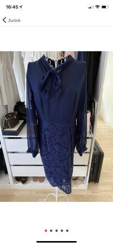 Sehr schönes festliches Kleid,dunkelblau  mit Spitze und Schleife  Gr  40