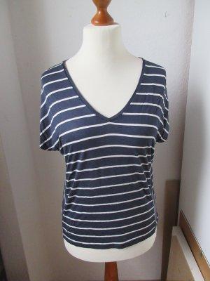 Sehr schönes gestreiftes T-Shirt aus Viskose