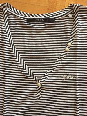 Sehr schönes Guess Shirt mit V-Ausschnitt