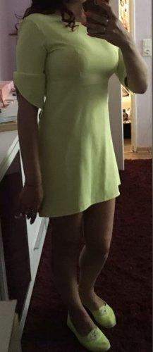 100% Fashion Sukienka mini zielony neonowy