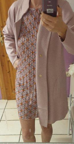Sehr schönes Kleid mit passendem Strickmantel
