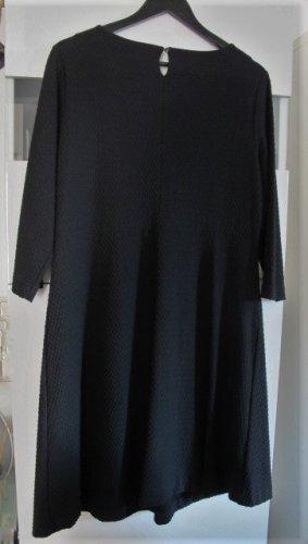 Sehr schönes Kleid von COMMA Gr. 44 schwarz