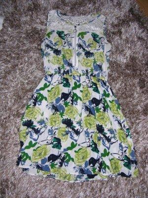 Sehr schönes Kleid von J. STARS (Boutiqeware) Gr. S/M Wie neu
