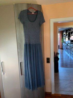 Sehr schönes, langes taubenblaues Kleid