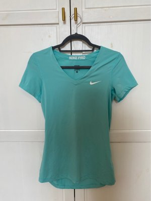 Sehr schönes Nike Sportshirt in hellblau zu verkaufen!