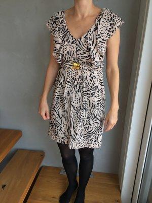 Sehr schönes verspieltes Kleid