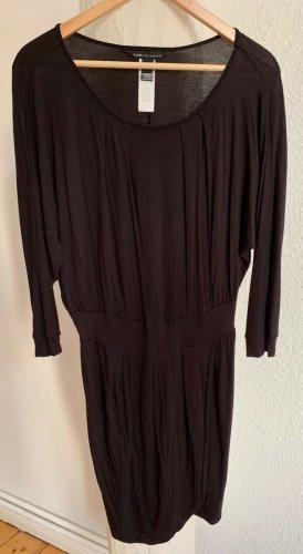 sehr schönes weich fließendes Viskosekleid von Mango schwarz in Gr. M NEU!