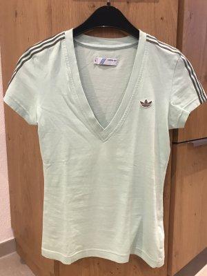 Sehr sehr schönes Adidas tshirt zu verkaufen